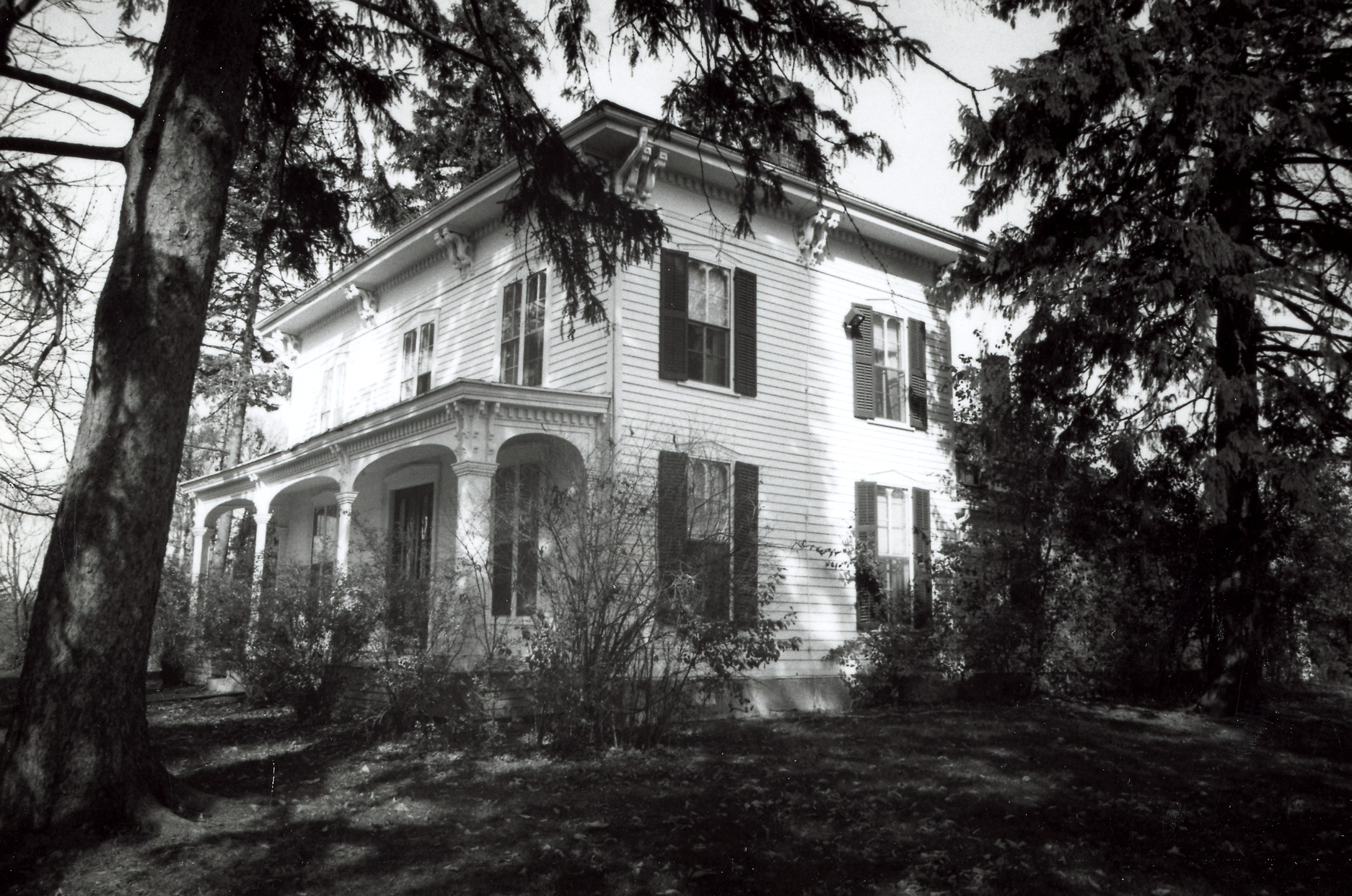 Historical Photograph of the Bell-Spalding House