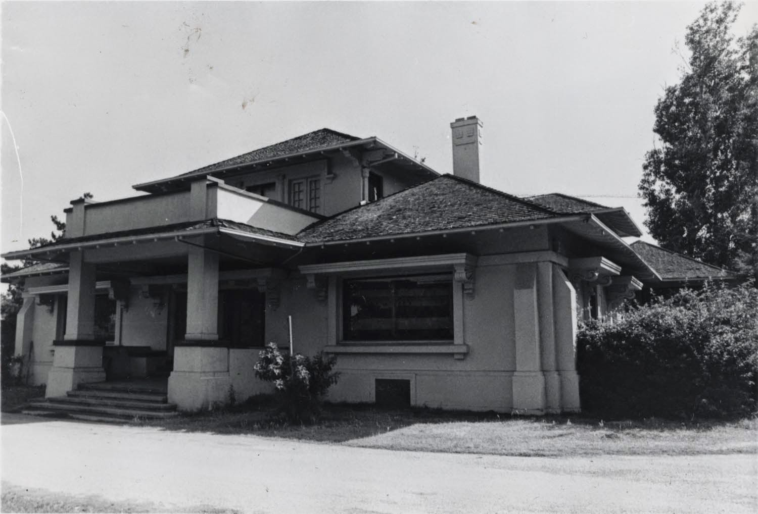 The historic Kelley House (1910) in the 1950s (image from VDA Group)