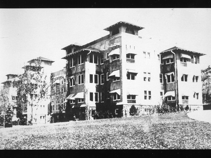 Cragmor Sanatorium in 1930. The building and the land of the sanatorium were later transfered to the University of Colorado school system.