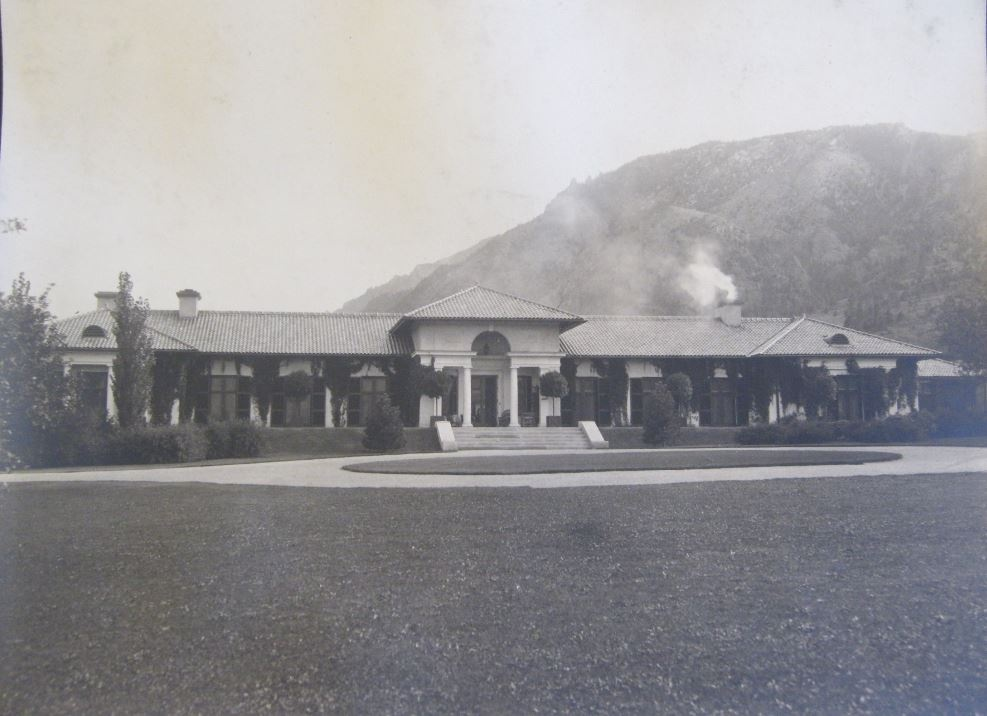 1930s-1940s photo of the estate