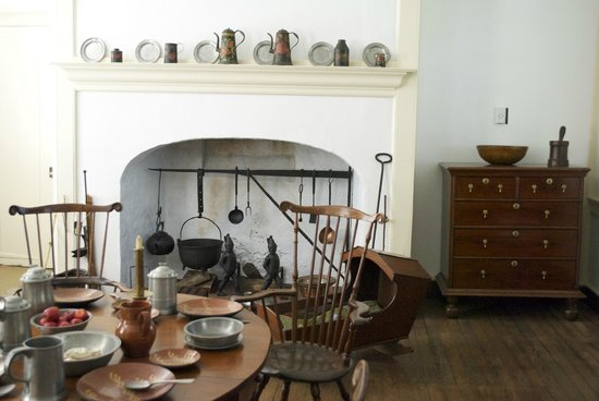 """Initially, Woodford had no kitchen.  The """"kitchen edition"""" was added in 1772 by accused English Loyalist, David Franks."""