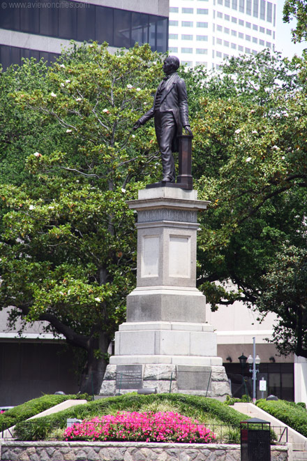 View of the sculpture of Henry Clay.