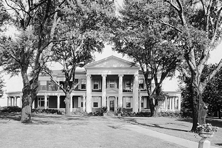 Front view of Mansion in 1910