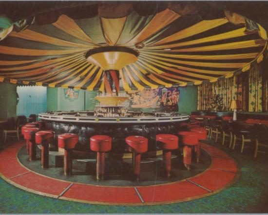 The hotel's famous Carousel Bar as it looked in the late 1950s.