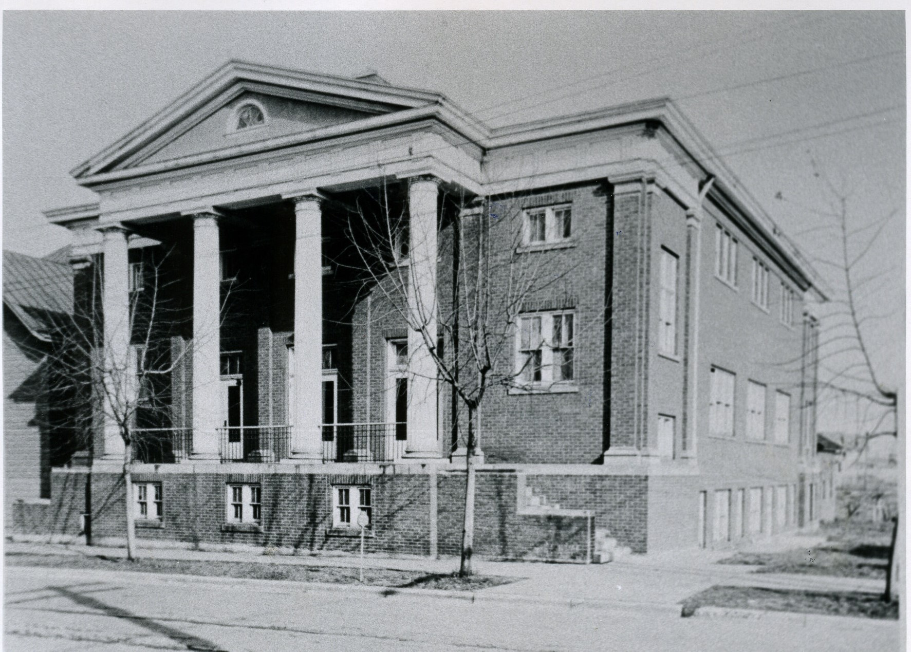 The current building sometime after its completion in 1926. Courtesy of the Kenova Historical Commission.