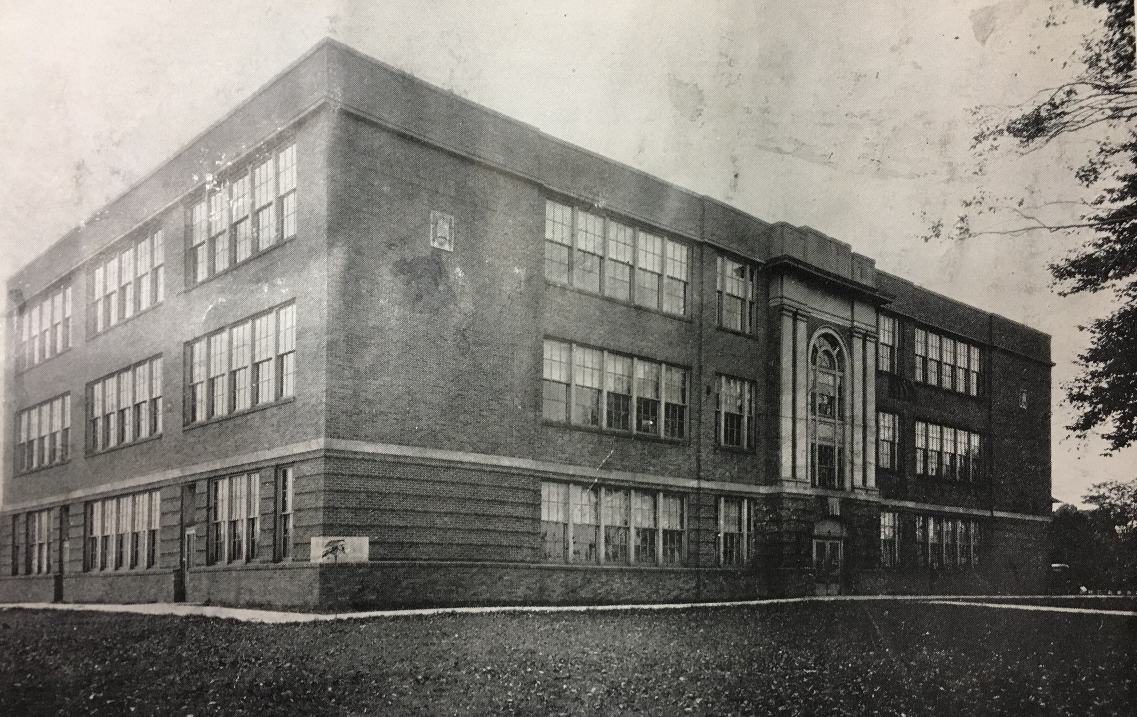 C-K High School was built on Beech Street in Kenova, facing the railroad tracks and the Ohio River. Courtesy of the Ceredo Historical Society Museum.