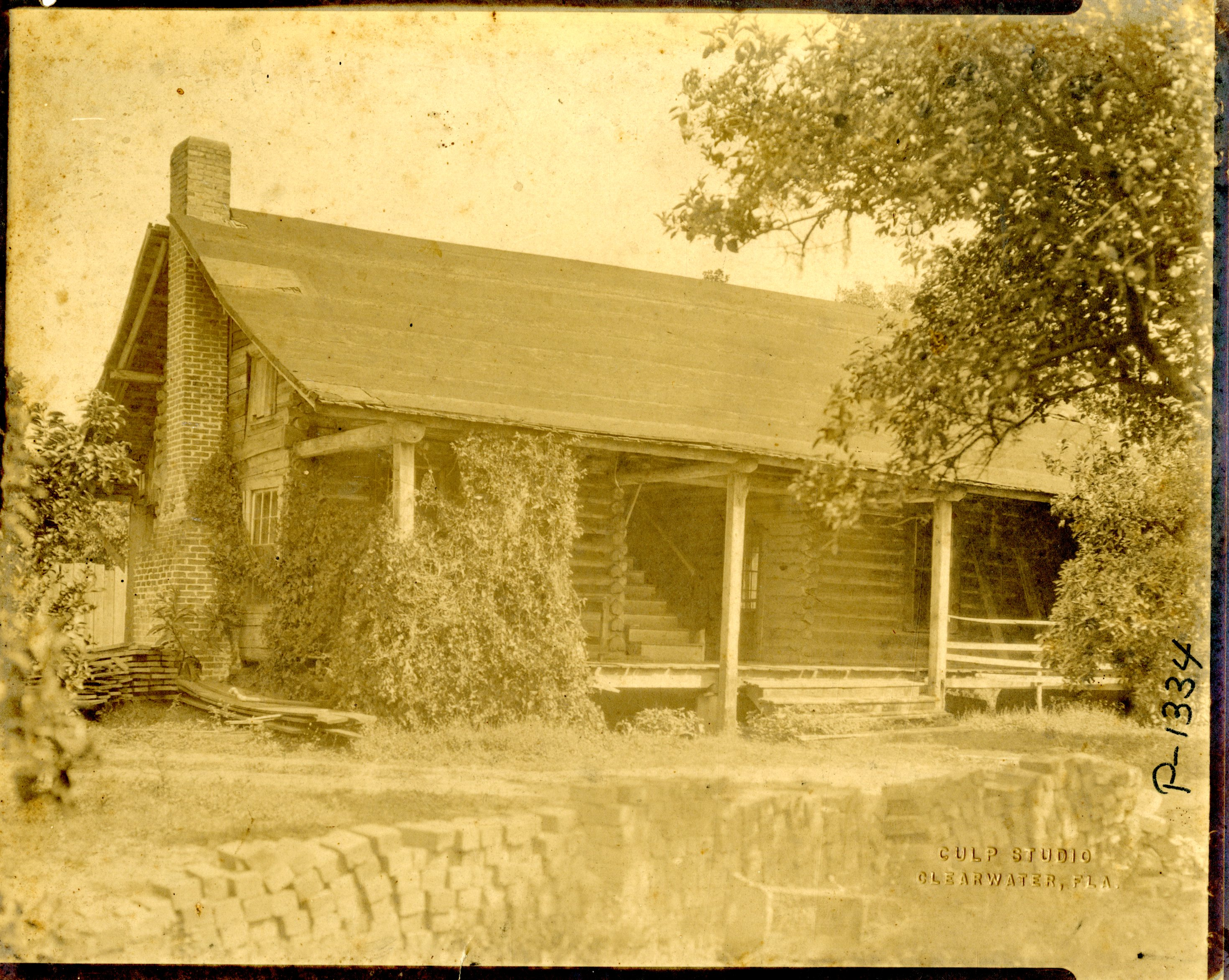 McMullen-Coachman Log Cabin, Clearwater, Florida, circa 1920.
