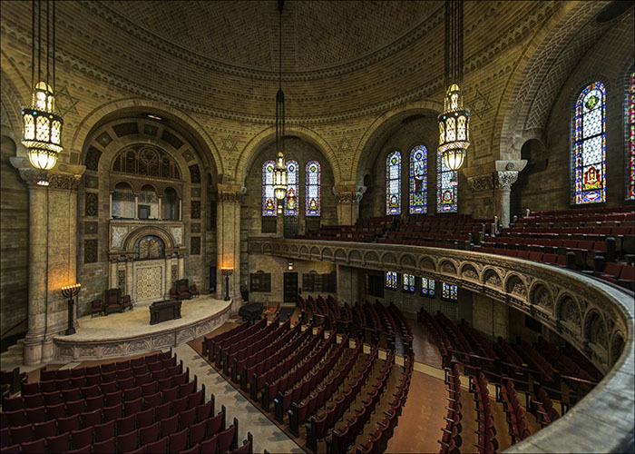 View inside the synagogue. Photo: Louis Davidson, Synagogues360.com