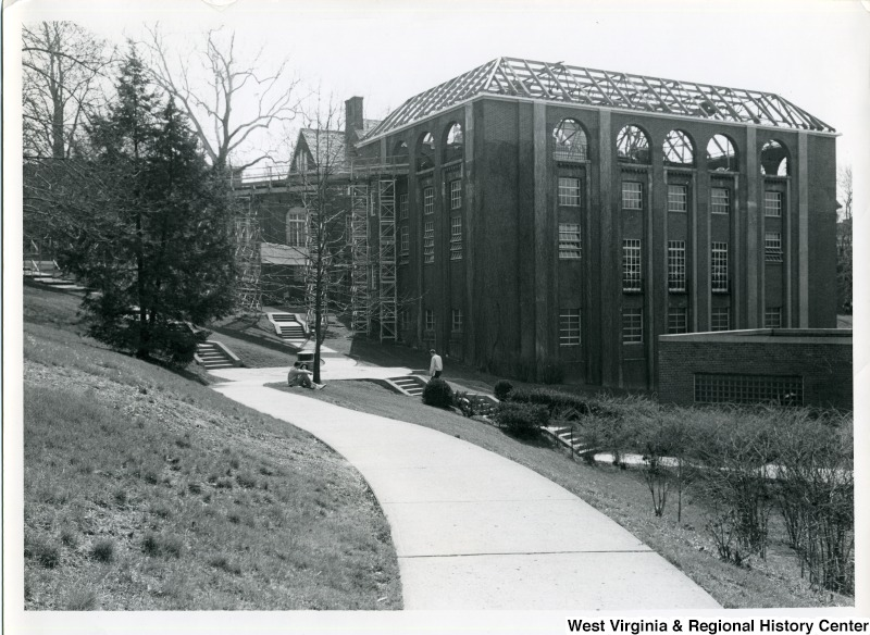 Elizabeth Moore Hall addition under construction