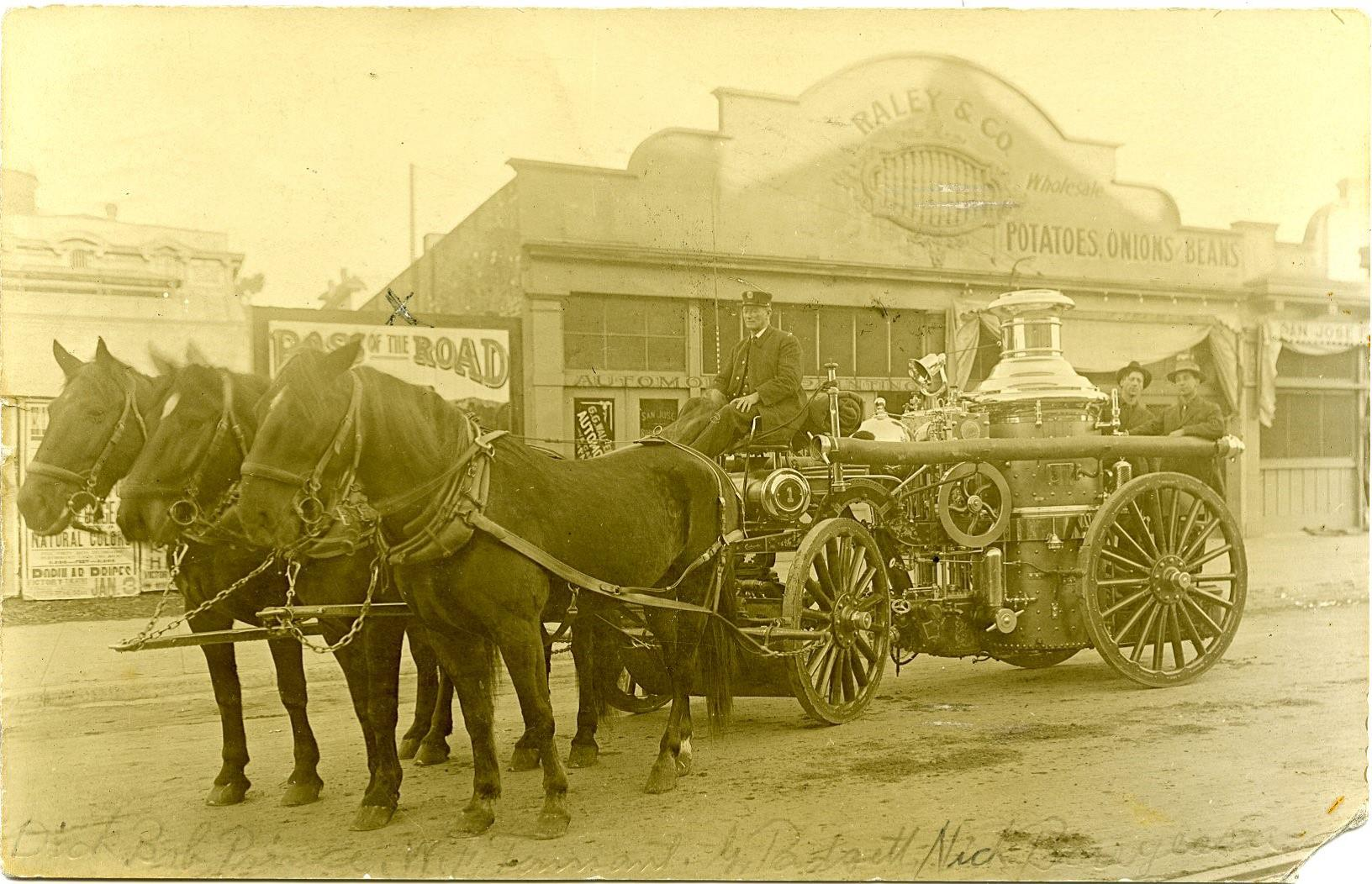 A San Jose Fire Department horse-drawn steam-powered fire engine, 1911 (image from the Sourisseau Academy)