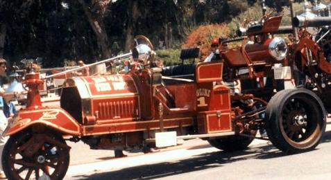The 1914 Knox-Martin tractor (image from SJFM)