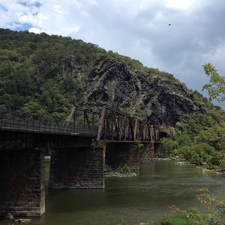 View of the 1894 bridge from the Harpers Ferry side