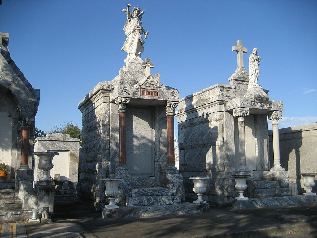 The famous Foto grave of Metairie