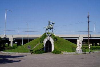 Burial mound of CSA General Albert Sidney Johnston