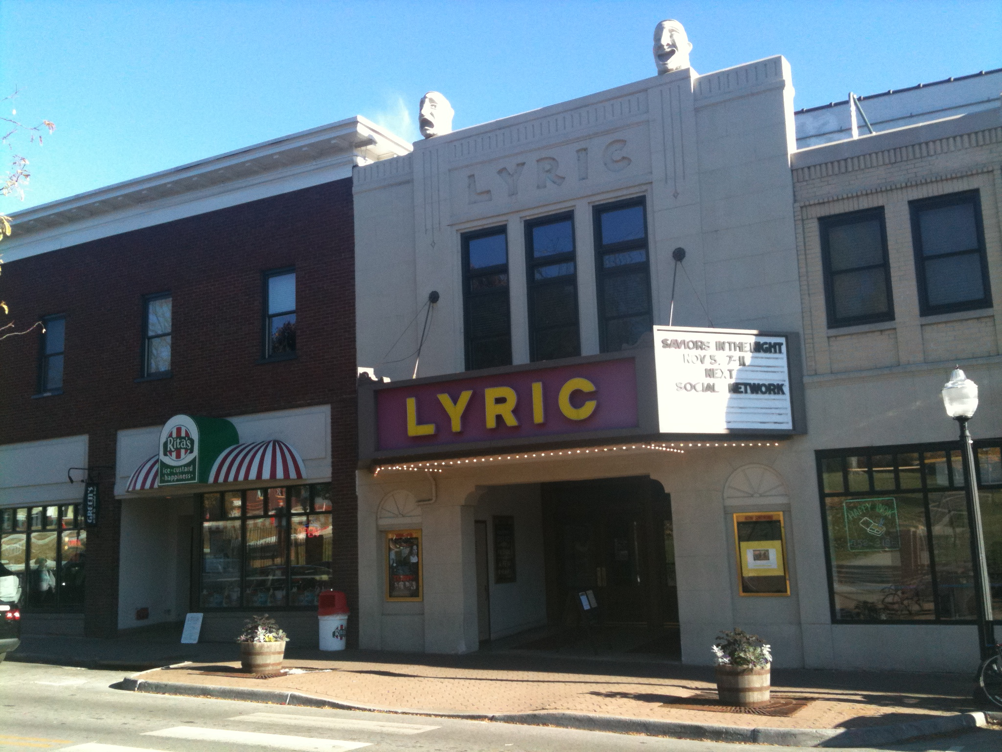 The Lyric Theatre in 2010; image Vineet Doshi - Own work, CC BY-SA 3.0, https://commons.wikimedia.org/w/index.php?curid=11990333