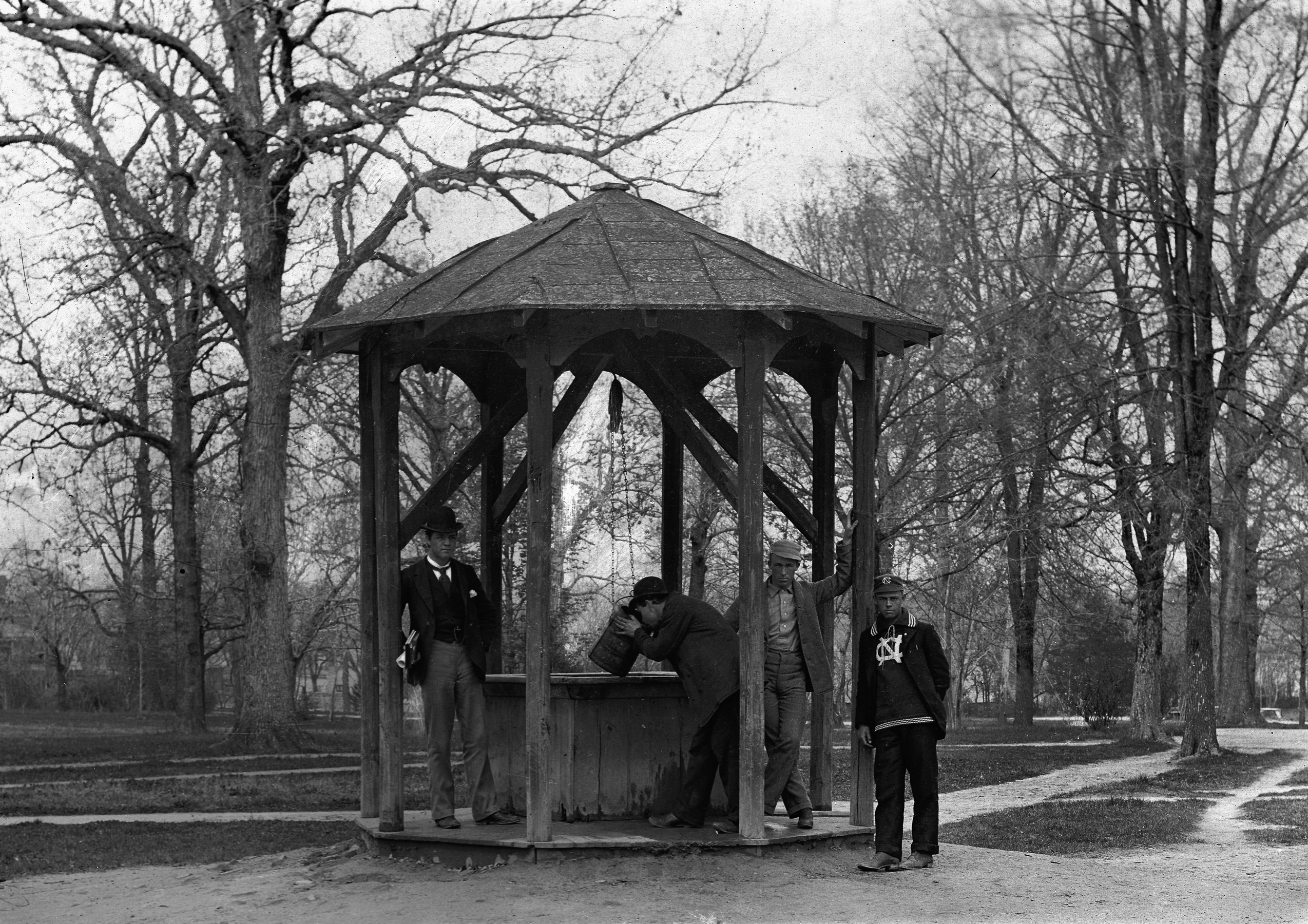Old Well c. 1892: the only known image of the well as a simple wooden structure (source: Kemp Plummer Battle Photograph Album of the University of North Carolina, #P0100, North Carolina Collection Photographic Archives, Wilson Library)