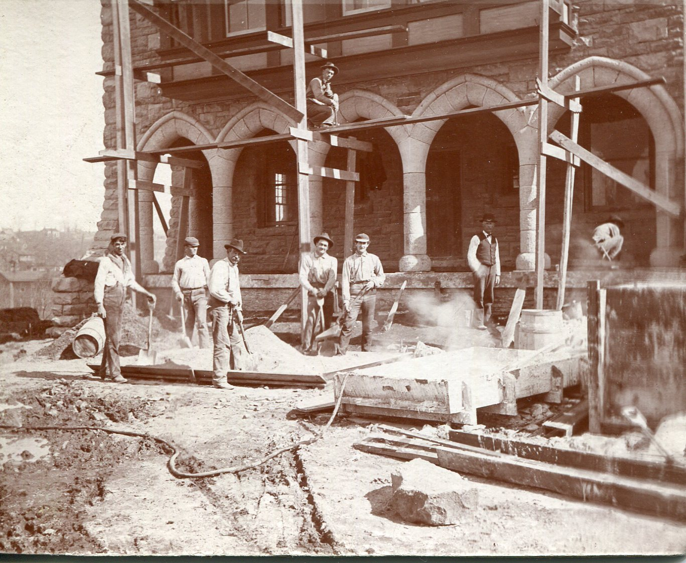 The original Alumni Hall under construction