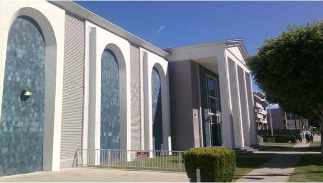 The Islamic Center of Southern California is among the largest mosques in the state.