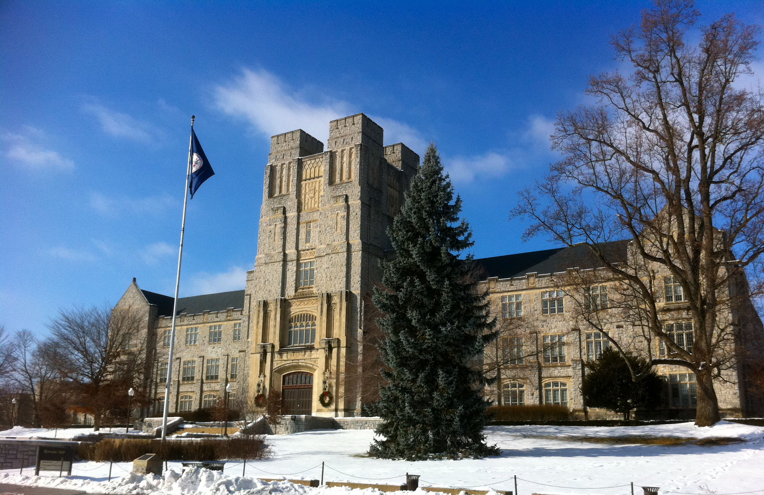 (2010) Burruss Hall on the campus of Virginia Tech; image by CBGator87 - Own work, CC BY-SA 3.0, https://commons.wikimedia.org/w/index.php?curid=17875279