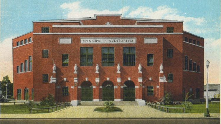 Color Postcard of the Orlando Municipal Theater