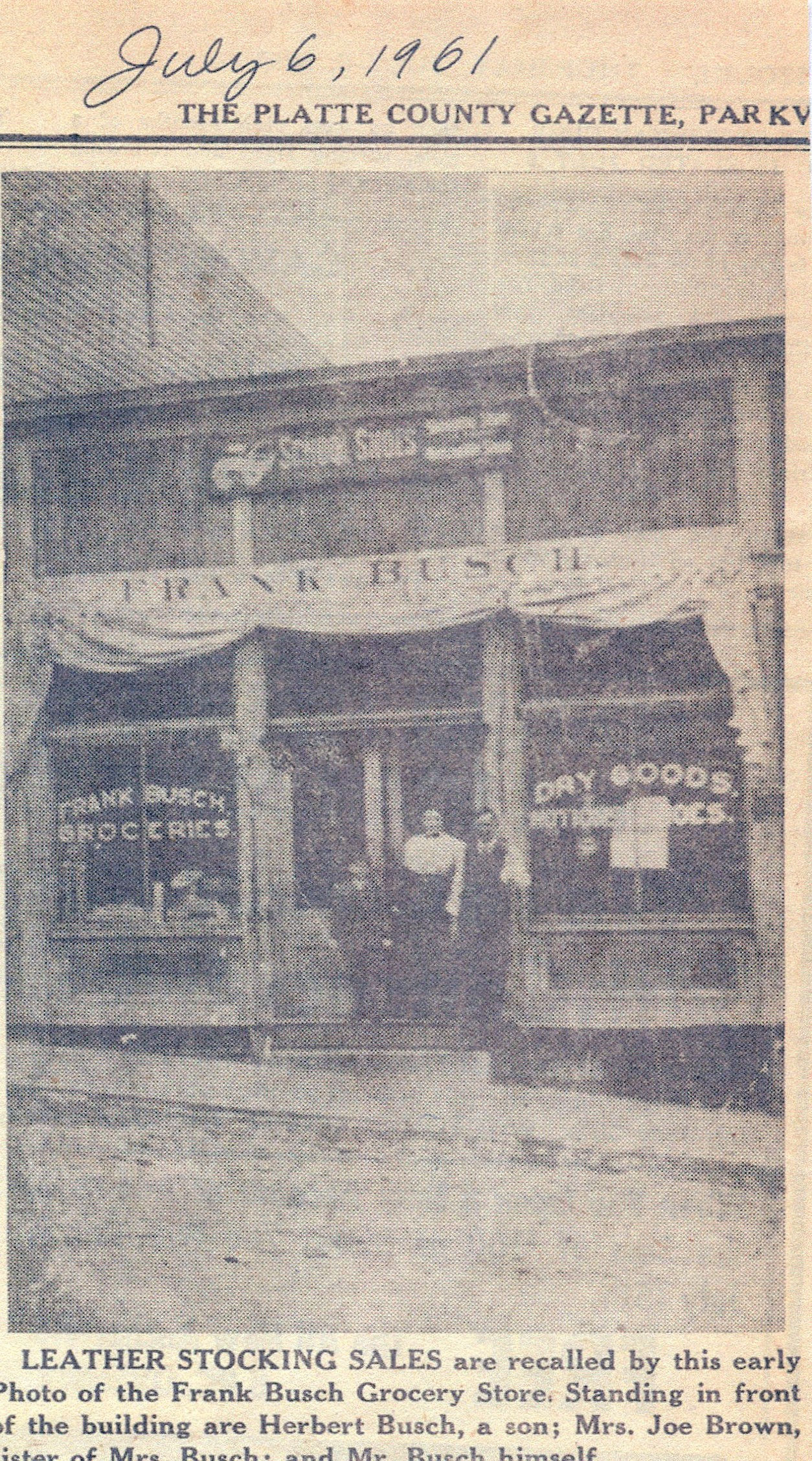 Photograph when occupied by Frank's Bakery (1909).
