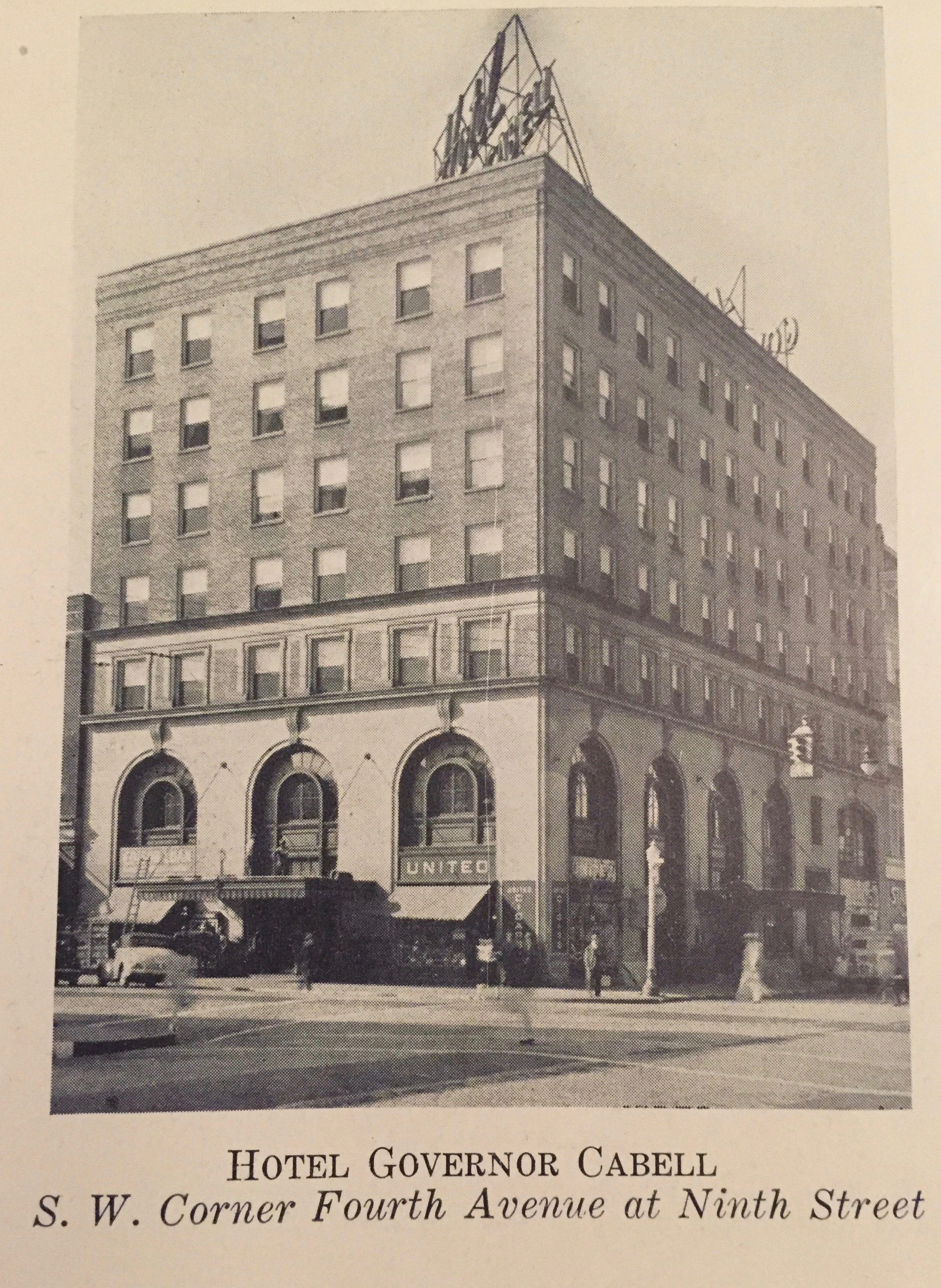 The Hotel Governor Cabell in the 1930s.