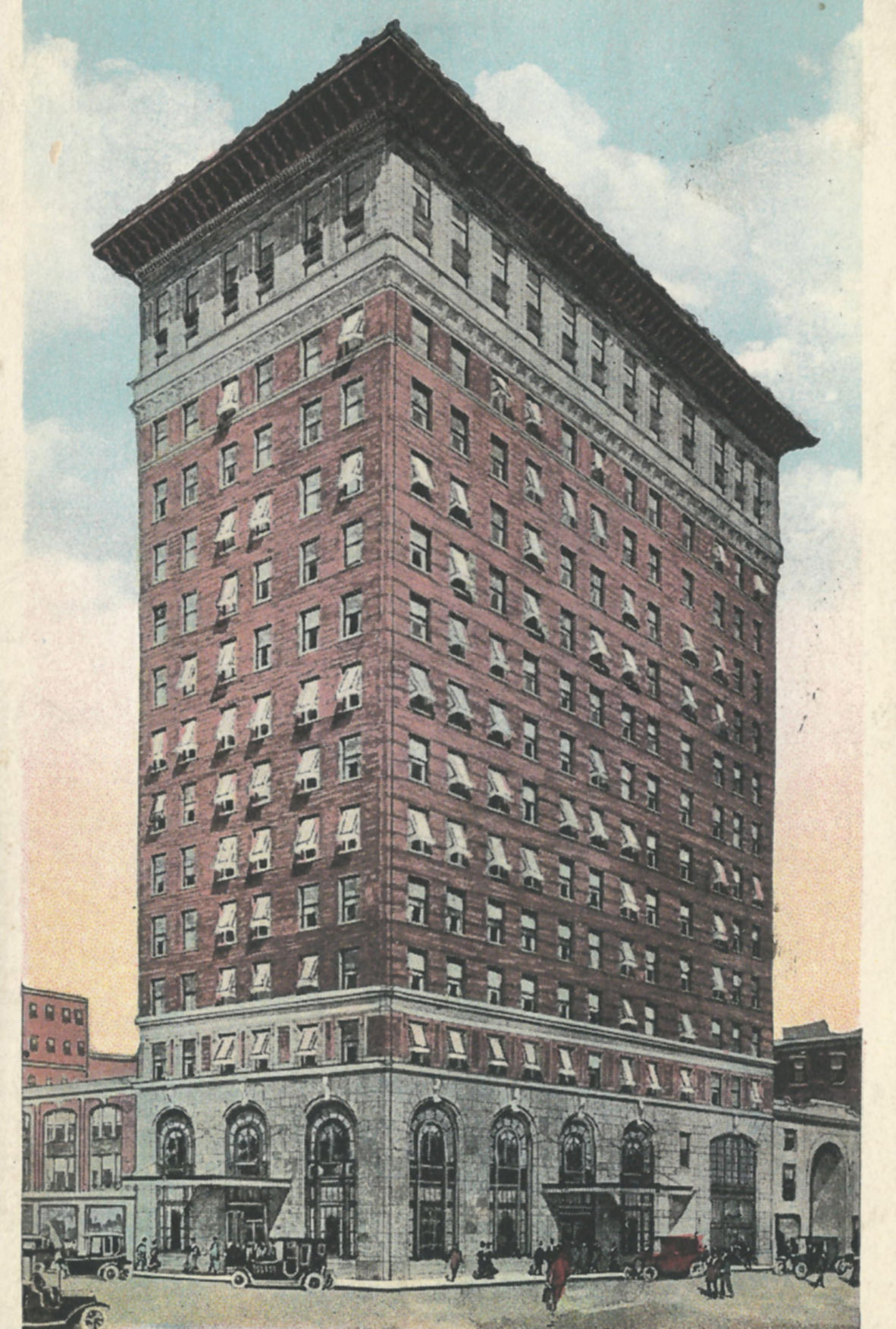 Postcard of the building as John S. Farr originally planned, with 14 stories. Photo courtesy of James E. Casto.