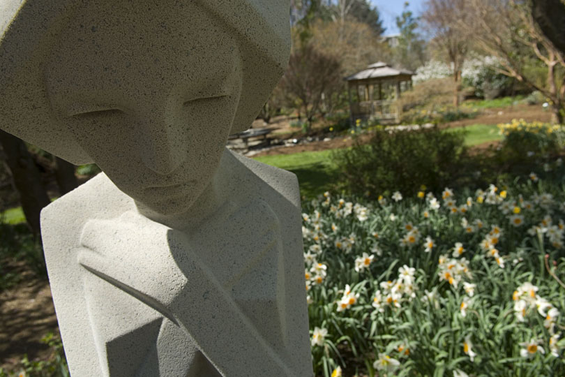 A sculpture by Frank Lloyd Wright; image by Kim Peterson - Virginia Tech Office of Visual and Broadcast Communications, GFDL, https://commons.wikimedia.org/w/index.php?curid=5864803