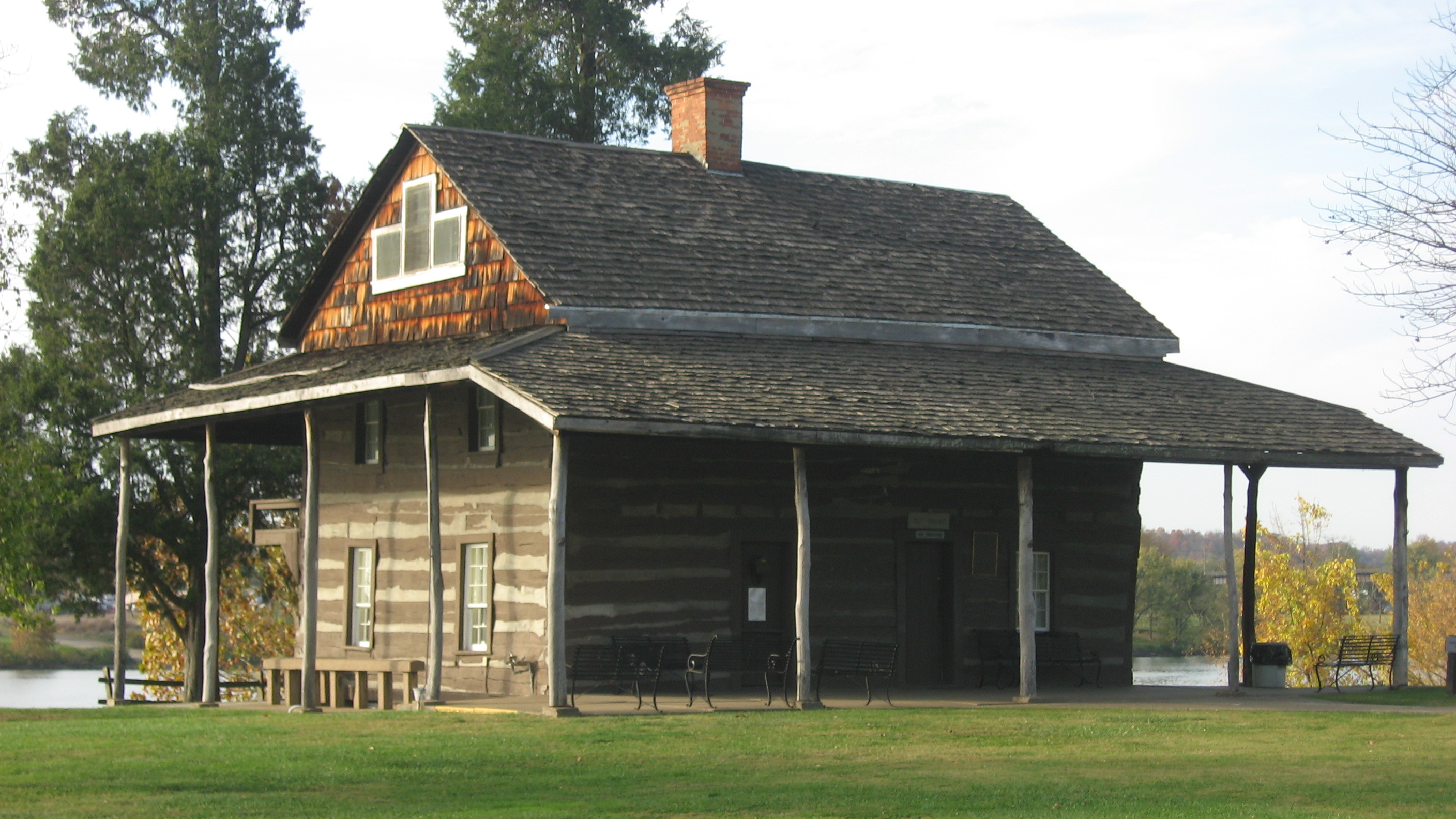The Mansion House museum is located at Tu-Endie-Wie State Park
