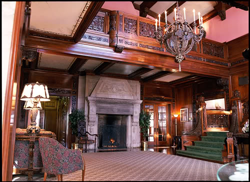 The same grand foyer from a 2008 photograph.