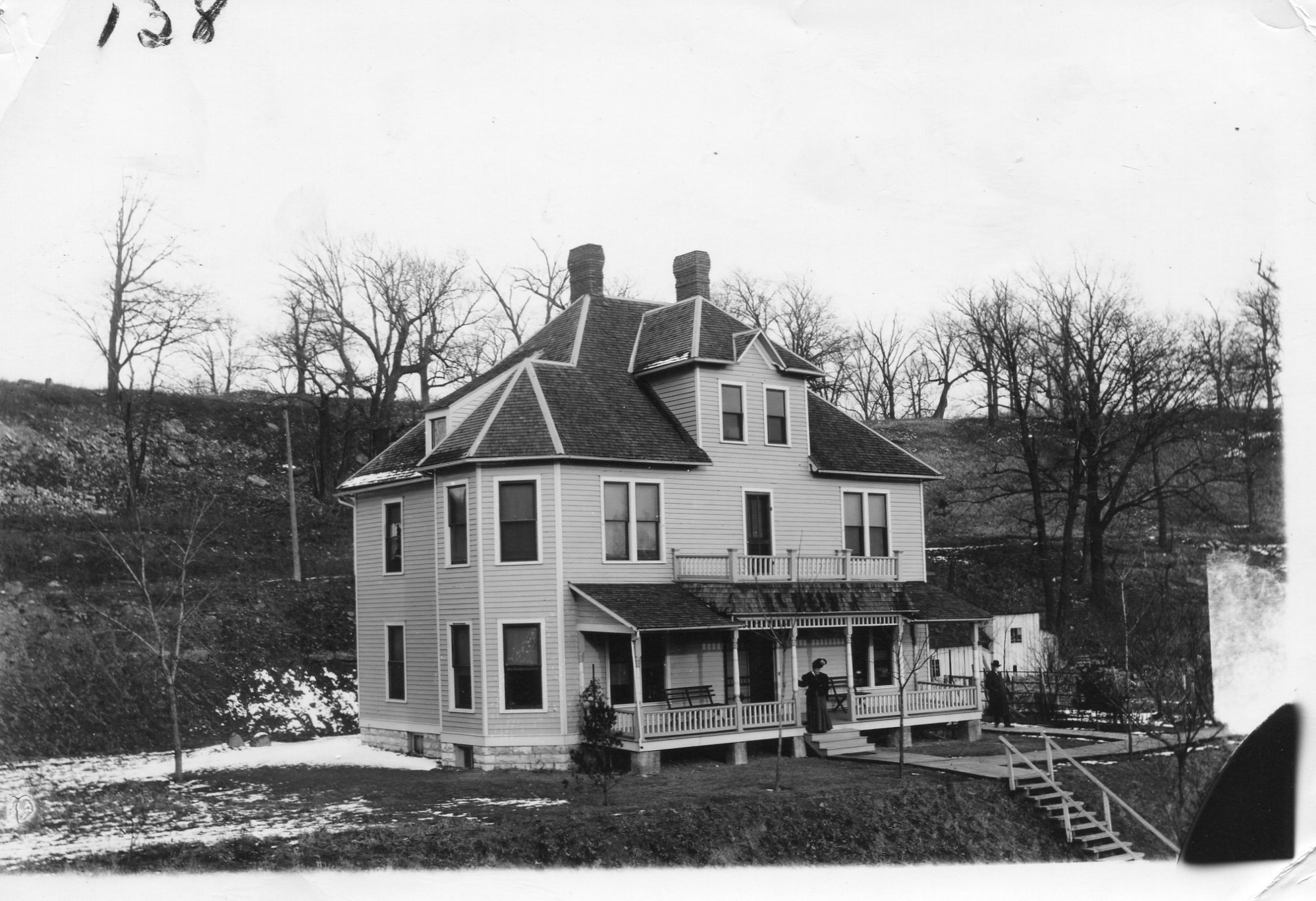 A photo of Hilltop House.