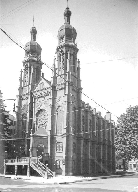 The 1889 temple. It was destroyed in a fire in 1923.