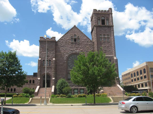 First Congregational Church was built in 1907