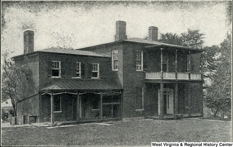 The Brackett House around 1905. Image obtained from the Storer College Digital Collection.