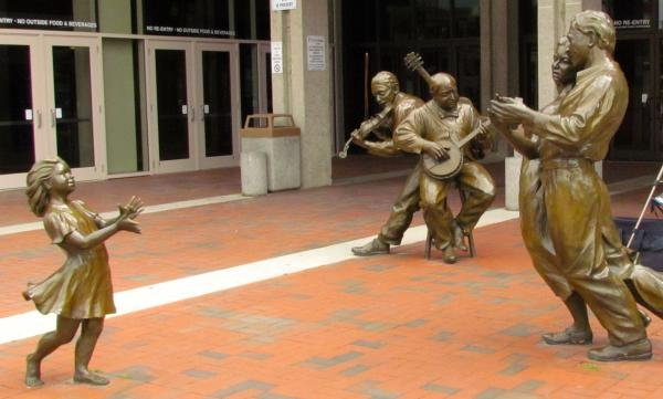 These five bronze figures pay tribute to the history of the Mountain Dance and Folk Festival which began in 1927.