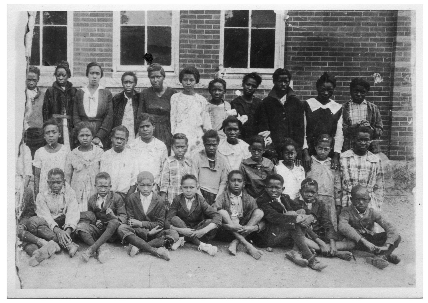 Photograph of students at  Blackshear School of Austin, TX in the 1920s.