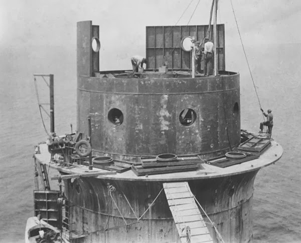 Construction of the caisson lighthouse, ca. 1914