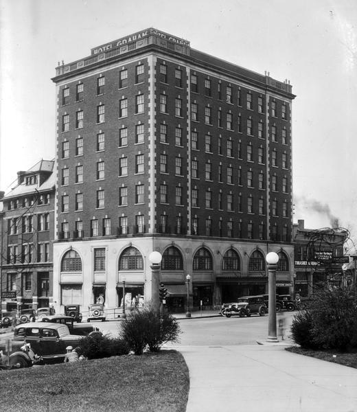 Graham Plaza Hotel