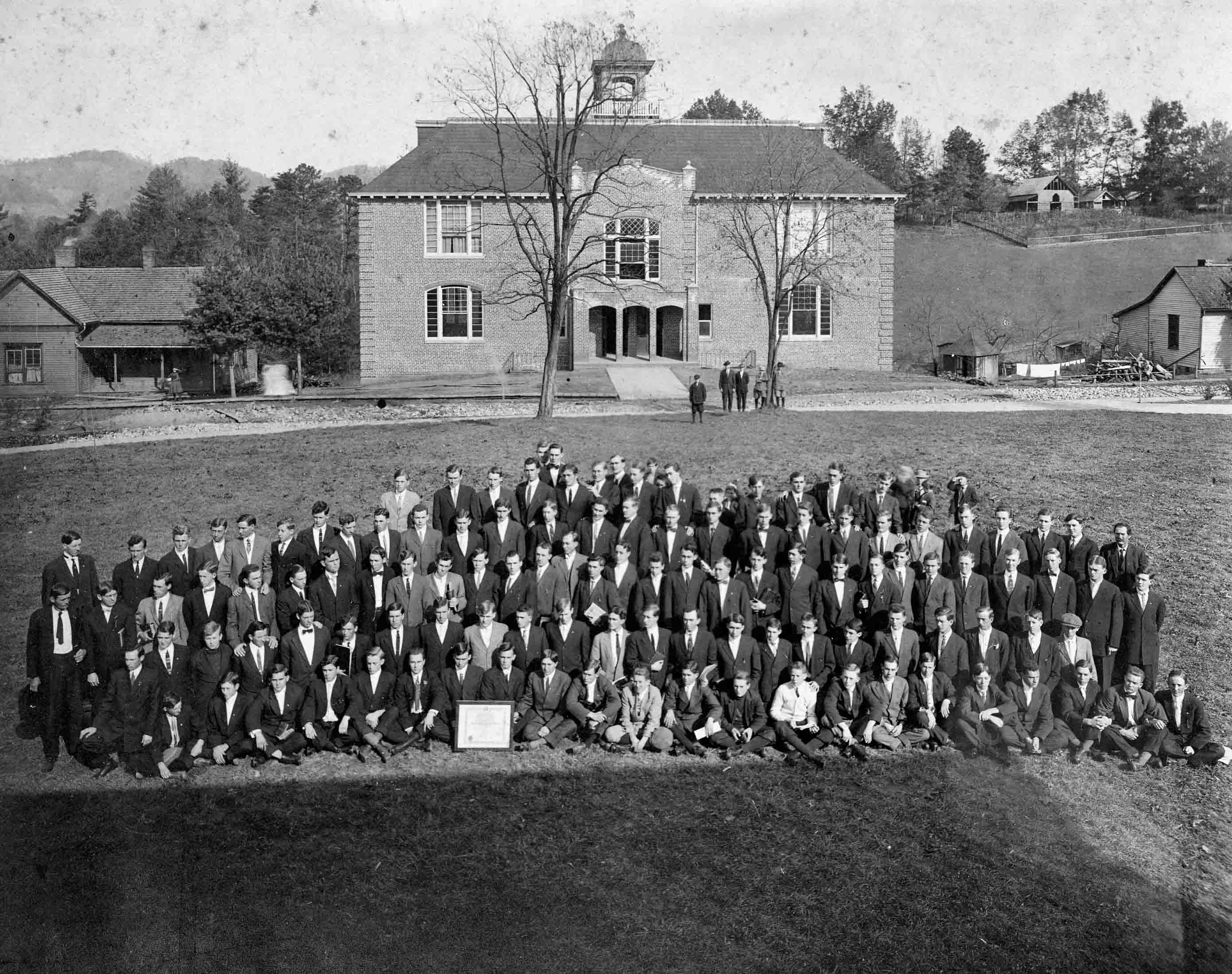 1913 Baraca Sunday school class in front of Marshbanks Hall.