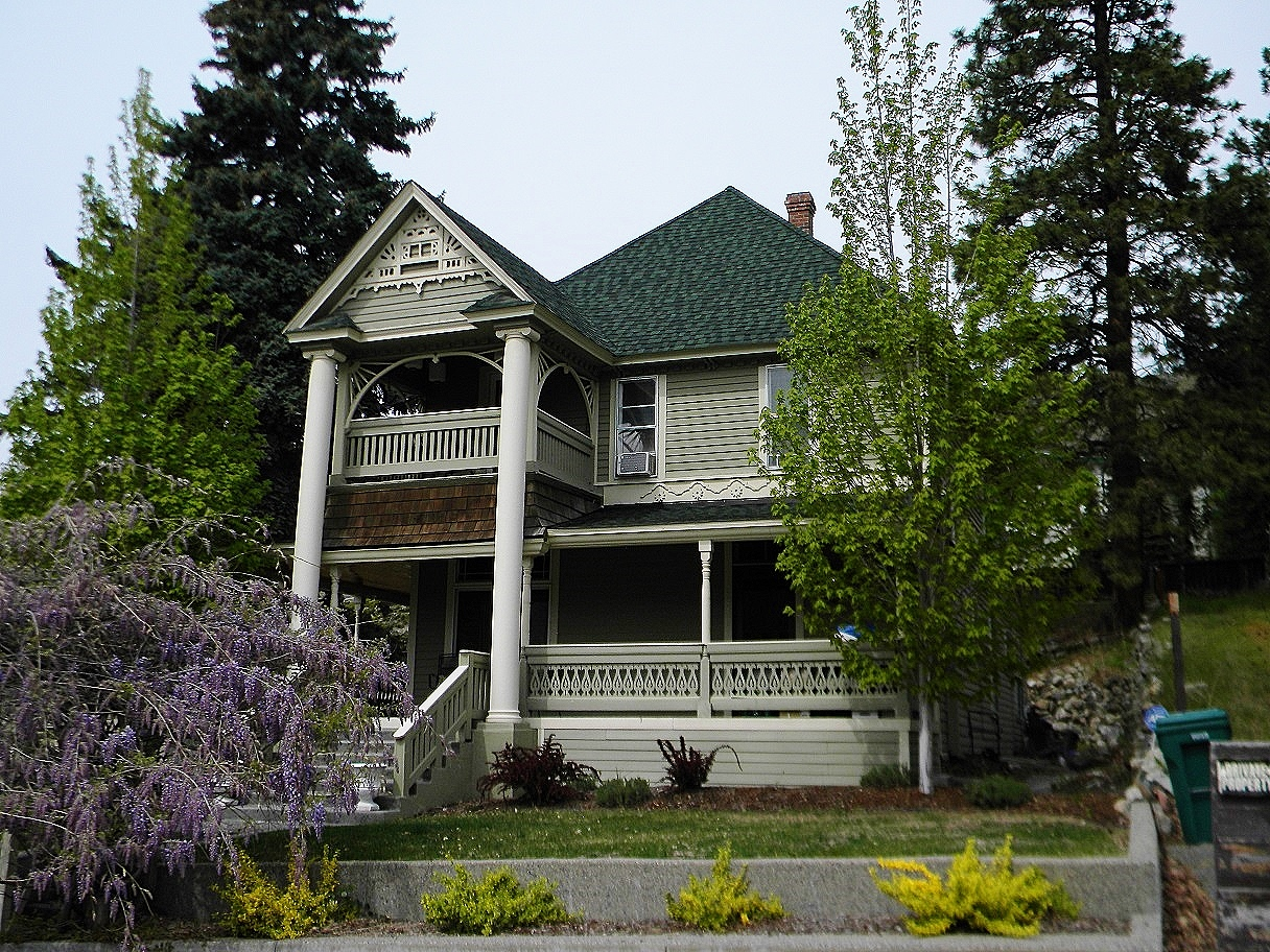The Richard Hinton Lord House was built in 1902 and is a fine example of Queen Anne architecture.