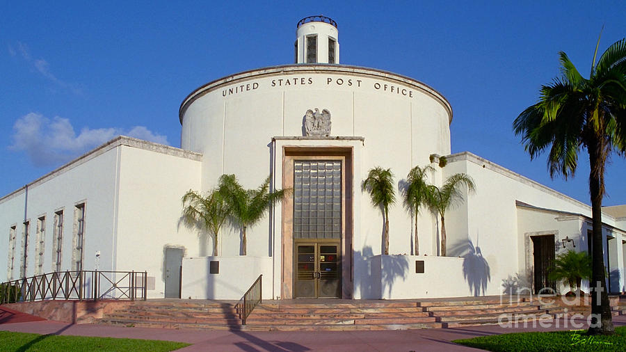 The understated Art Deco Miami Beach Post Office was completed in 1937.