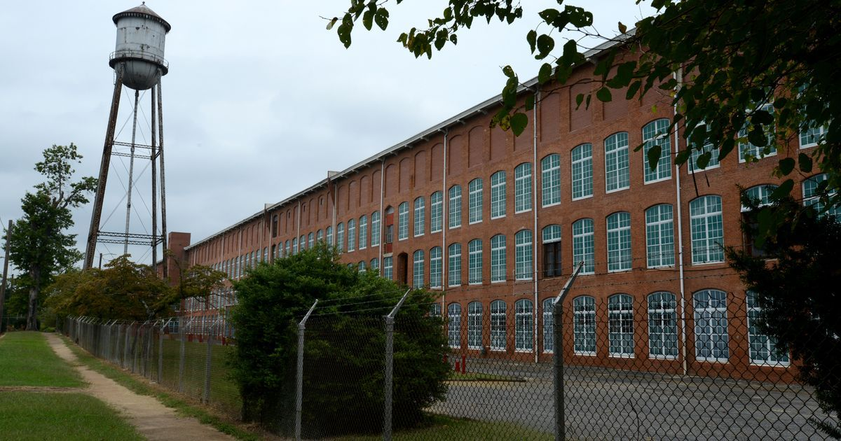 The main operating mill building.