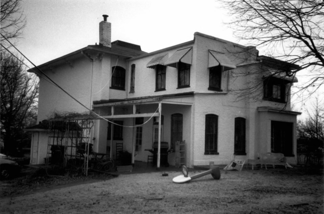 Gertrude and Nelson Burch House from rear yard in 2002 (Beetem)