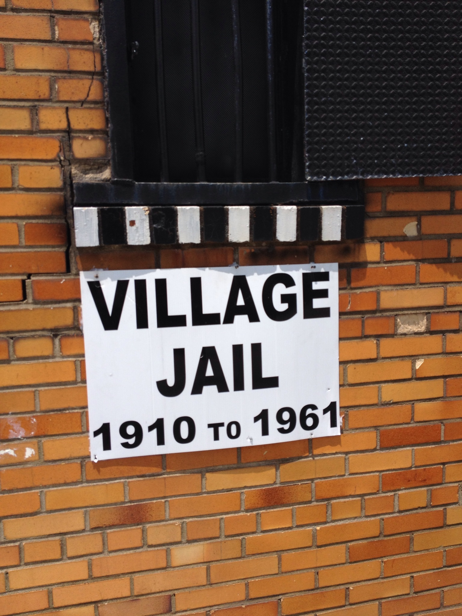 Sign on the jail indicates that this was the Chesapeake Jail from 1910 to 1961