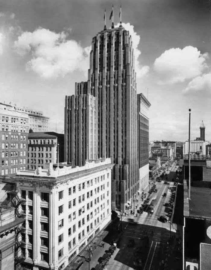 Photo by Mark Ambler (See: https://pauldorpat.com/2013/02/16/seattle-now-then-the-northern-life-aka-seattle-tower/)