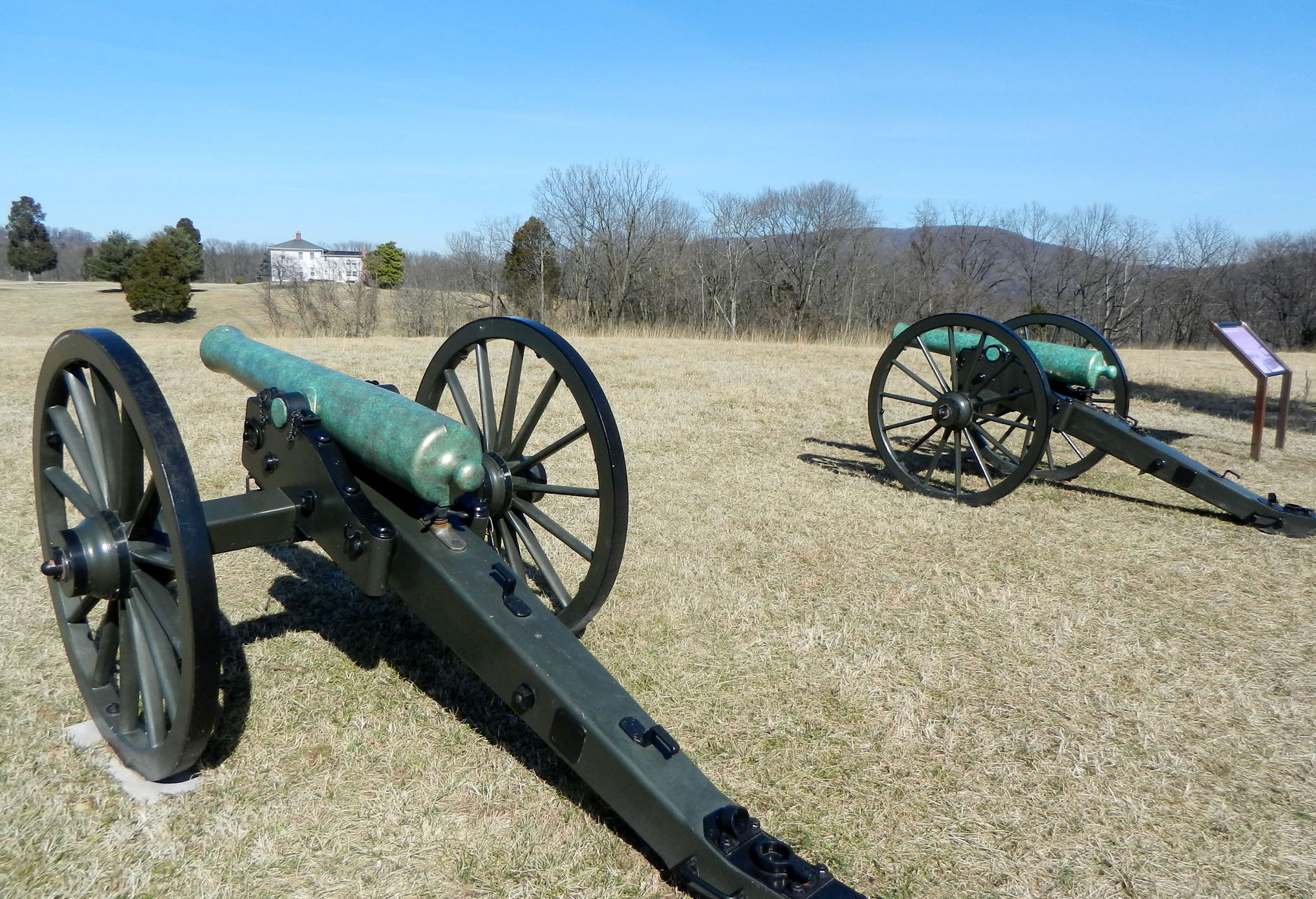 By placing cannon at the summit of the farm, the Confederate forces were able to force the Union side into surrender at the Battle of Harpers Ferry. Image obtained from Panoramio.