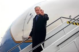 Former president Bush is leaving Air Force One at Harrisburg International Airport.