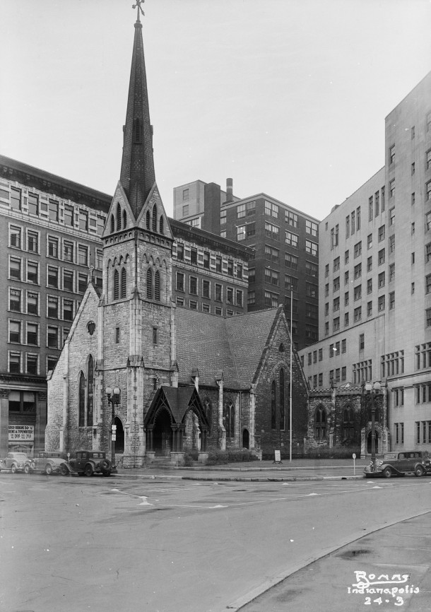 Christ Church as photographed in April 1934. Courtesy of the Library of Congress, HABS Collection, W. W. Bonns, photographer.