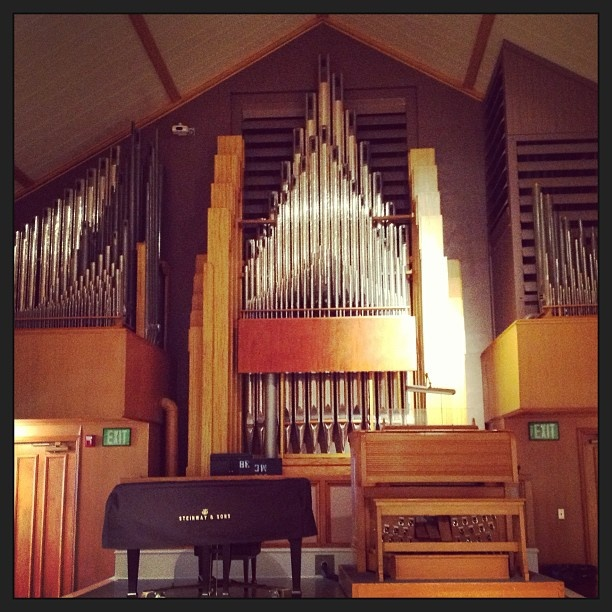 Pipe Organ in main hall formerly used for assemblies.   source: https://www.pinterest.com/boisestate/our-campus/