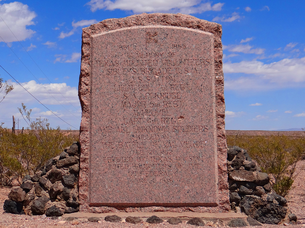 Memorial to the lives lost in the battle of Valverde.